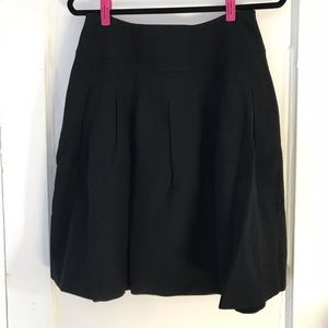 Banana Republic Skirts - NWOT Banana Republic Warm Pocketed Skirt
